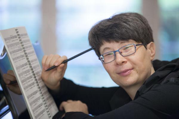 Die Dirigentin für dringende Fälle